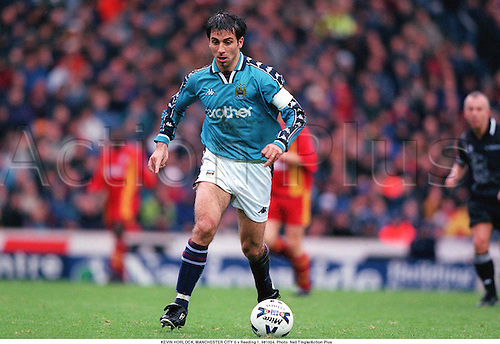 KEVIN HORLOCK, MANCHESTER CITY 0 v Reading 1, 981024. Photo: Neil Tingle/Action Plus...1998.soccer.football.league.english club clubs.association