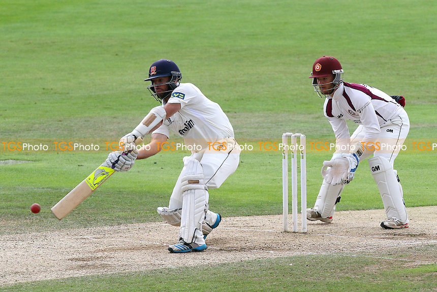 Mark Pettini hits four runs for Essex CCC as Ben Duckett looks on from behind the stumps
