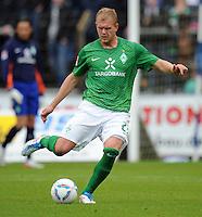 FUSSBALL   1. BUNDESLIGA   SAISON 2011/2012   TESTSPIEL SV Werder Bremen - Olympiakos Piraeus             26.07.2011 Andreas WOLF (SV Werder Bremen) Einzelaktion am Ball