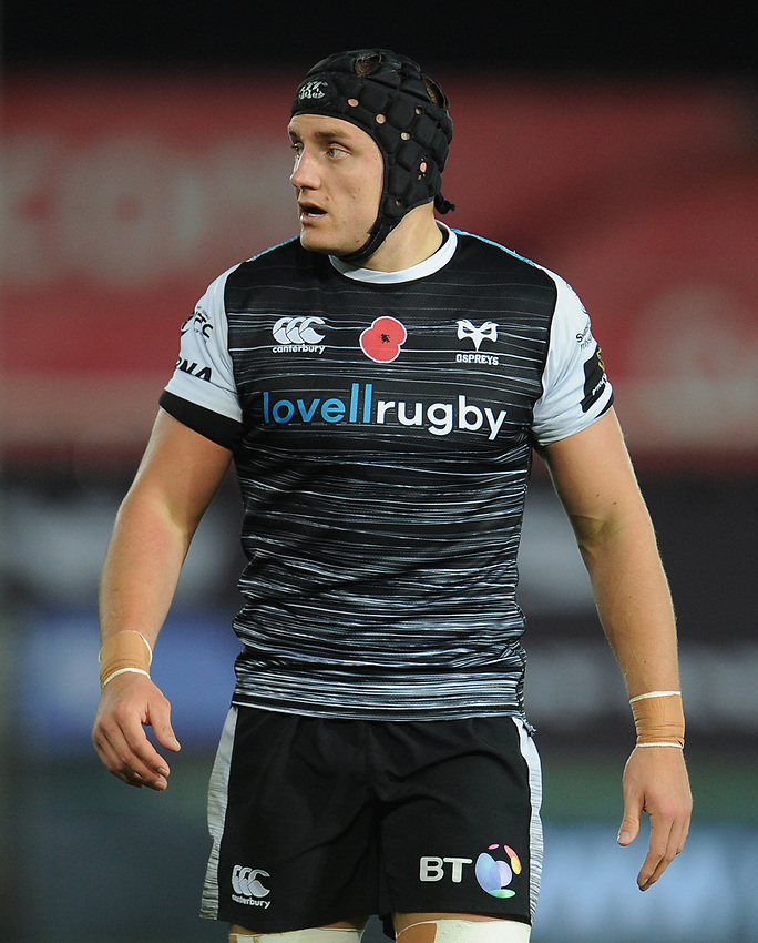 Ospreys' James King<br /> <br /> Photographer Kevin Barnes/CameraSport<br /> <br /> Guinness Pro14 Round 8 - Ospreys v Glasgow Warriors - Friday 2nd November 2018 - Liberty Stadium - Swansea<br /> <br /> World Copyright © 2018 CameraSport. All rights reserved. 43 Linden Ave. Countesthorpe. Leicester. England. LE8 5PG - Tel: +44 (0) 116 277 4147 - admin@camerasport.com - www.camerasport.com