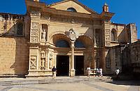 Dominikanische Republik,Kathedrale Catedral Santa Maria Menor  in Santo Domingo, erbaut 1523-1540, UNESCO-Weltkulturerbe