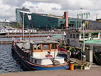 Hafen Oosterdok, Kindermuseum NEMO Science Center, Amsterdam, Provinz Nordholland, Niederlande<br /> Oosterdok harbour, children's museum NEMO science center, Amsterdam, Province North Holland, Netherlands