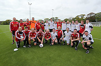 Pictured: Both teams pose for a picture after the game. Tuesday 06 May 2014<br />