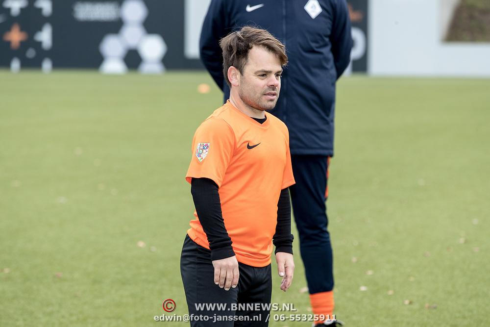 NLD/Zeist/20191123 - persconferentie Nationaal Artiesten Elftal van de KNVB, Roel van Velzen