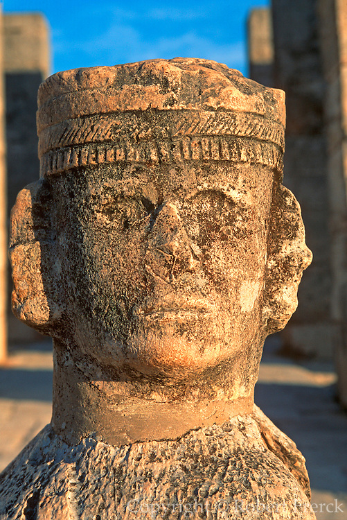 MEXICO, MAYAN, YUCATAN Chichén Itzá; Temple of Warriors chac mool