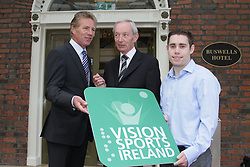 Jason Smyth and Minister Leo Varadkar launch Vision Sports Ireland  <br />