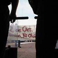 Toluca, Mex.- Estudiantes de la Universidad marchan y se manifiestan frente al palacio de gobierno, en conmemoracion de la matanza del 2 de Octubre de 1968 en la plaza de las 3 culturas de Tlaltelolco. Agencia MVT / Luis Enrique Hernandez V. (DIGITAL)<br /> <br /> <br /> <br /> <br /> <br /> <br /> <br /> NO ARCHIVAR - NO ARCHIVE