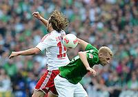 FUSSBALL   1. BUNDESLIGA   SAISON 2012/2013   2. Spieltag SV Werder Bremen - Hamburger SV                     01.09.2012         Petr Jiracek (li, Hamburg) gegen Aaron Hunt (re, SV Werder Bremen)