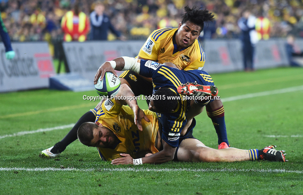 Waisake Naholo scores a try during the Super Rugby Final between the Hurricanes and Highlanders at Westpac Stadium in Wellington., New Zealand. Saturday 4 July 2015. Copyright Photo: Andrew Cornaga / www.Photosport.nz