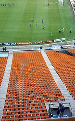 RSA, FIFA WM 2010, Soccer City Stadium Feature.08.06.2010, Soccer City Stadium, Johannesburg, RSA, FIFA WM 2010, Soccer City Stadium Feature im Bild die Tribühne und das Feld, eine Tv Kamera verfolgt die Proben für die Eröffnungsfeier, EXPA Pictures © 2010, PhotoCredit: EXPA/ IPS/ Mark Atkins / SPORTIDA PHOTO AGENCY
