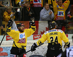 27.09.2013, Albert Schultz Eishalle, Wien, AUT, EBEL, UPC Vienna Capitals vs HC TWK Innsbruck, 11. Runde, im Bild Torjubel Francois Fortier, (UPC Vienna Capitals, #15) und Jonathan Ferland, (UPC Vienna Capitals, #24) // during the Erste Bank Icehockey League 11th Round match between UPC Vienna Capitals and HC TWK Innsbruck at the Albert Schultz Ice Arena, Vienna, Austria on 2013/09/27. EXPA Pictures © 2013, PhotoCredit: EXPA/ Thomas Haumer