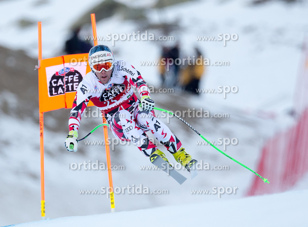 28.12.2015, Deborah Compagnoni Rennstrecke, Santa Caterina, ITA, FIS Ski Weltcup, Santa Caterina, Abfahrt, Herren, 2. Training, im Bild Vincent Kriechmayr (AUT) // Vincent Kriechmayr of Austria in action during the 2nd practice run of men's Downhill of the Santa Caterina FIS Ski Alpine World Cup at the Deborah Compagnoni Course in Santa Caterina, Italy on 2015/12/28. EXPA Pictures © 2015, PhotoCredit: EXPA/ Johann Groder
