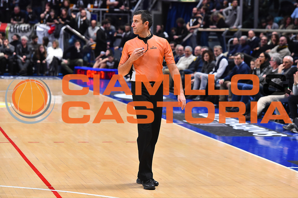 Campionato Italiano Basket 2017/18<br /> 18&deg; Giornata Ritorno  <br /> Bologna 03/02/2018   <br /> Segafredo Virtus Bologna - VL Pesaro 85-67<br /> Nella foto arbitro<br /> Foto GiulioCiamillo/Ciamillo-Castoria