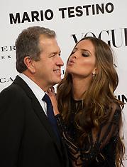 Celebs Kissing
