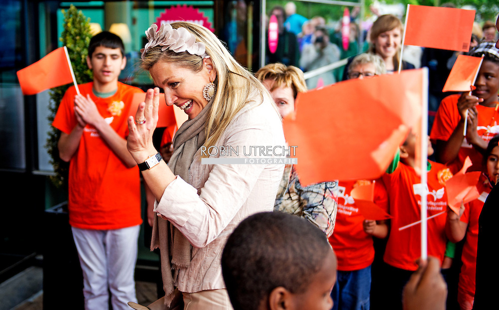 "13-5-2015 - ZWOLLE - Queen maxima visits theater "" de Spiegel "" in Zwolle the Symphony of Fear Hazen and Daredevils at. The show is performed by the Dutch Symphony Orchestra in collaboration with children from asylum seekers and children from primary schools in Overijssel.COPYRIGHT ROBIN UTRECHT"