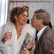 NLD/Ridderkerk/20121120 - Lancering Helden magazine nr.16, Bartina Koeman - Borderveld en Frits Barend