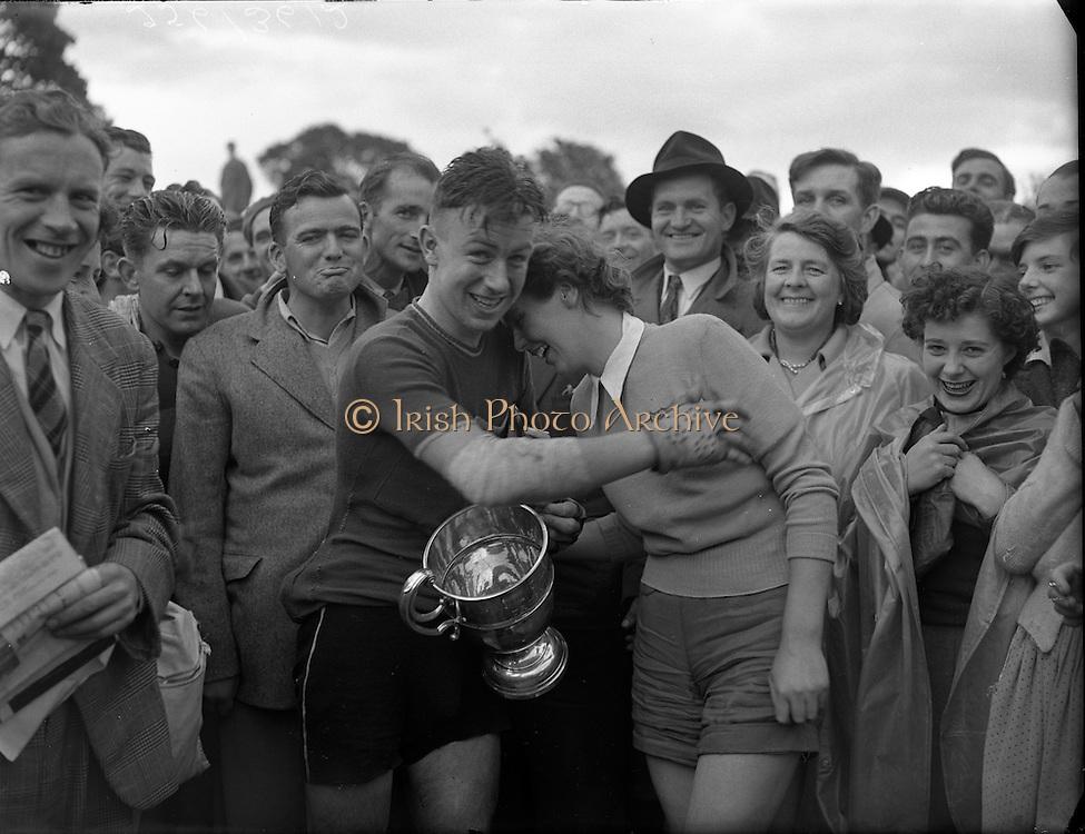 Cycle Race - 126 Mile Championship of Ireland at Dundalk.26/07/1953