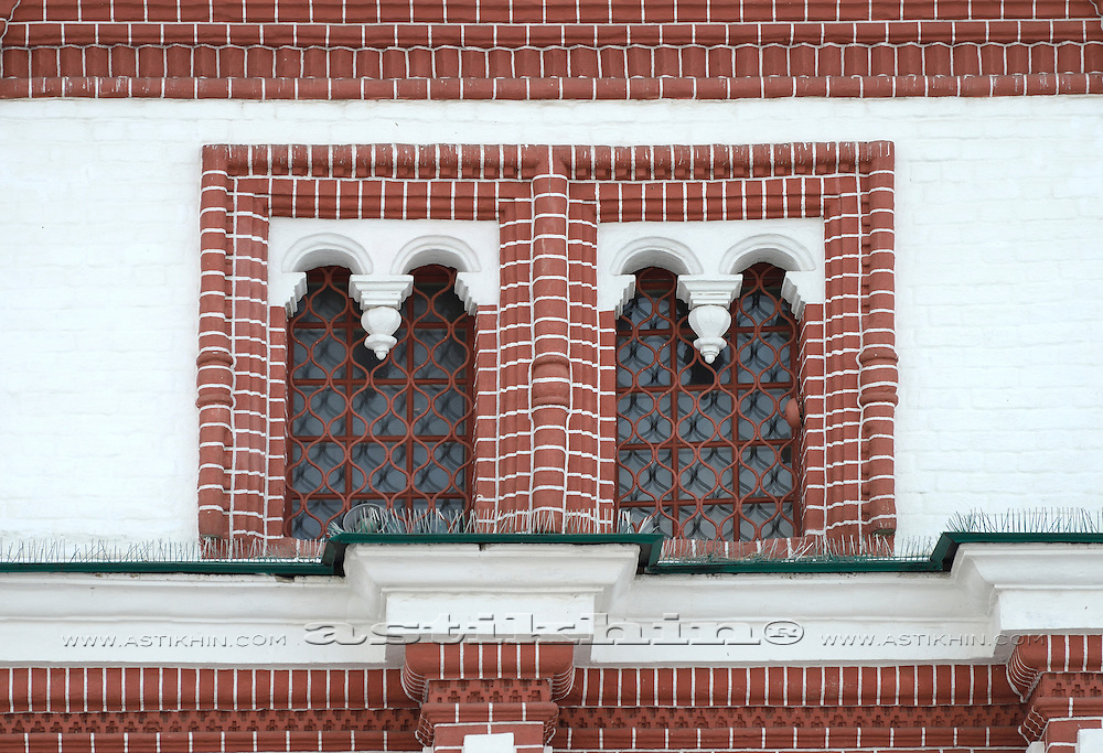 Windows in the Front (Palace) Gate, tower. Lokomenskoe Moscow, Russia.