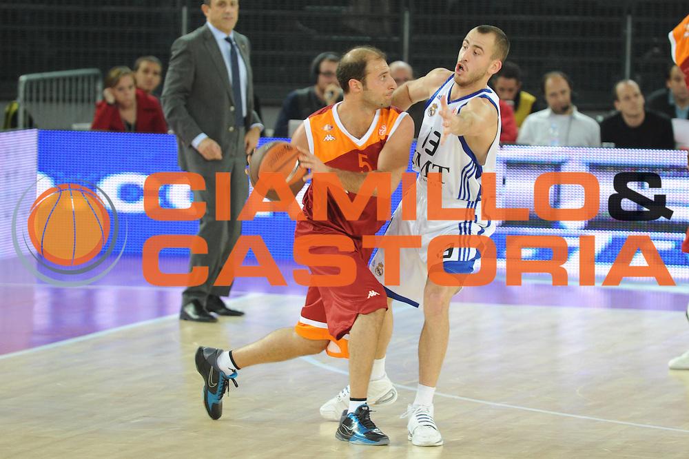 DESCRIZIONE : Roma Eurolega 2010-11 Lottomatica Virtus Roma Real Madrid<br /> GIOCATORE : Jacopo Giachetti<br /> SQUADRA : Euroleague<br /> EVENTO : Eurolega 2010-2011<br /> GARA :  Lottamtica Virtus Roma Real Madrid<br /> DATA : 04/11/2010<br /> CATEGORIA :Palleggio<br /> SPORT : Pallacanestro <br /> AUTORE : Agenzia Ciamillo-Castoria/GiulioCiamillo<br /> Galleria : Eurolega 2010-2011<br /> Fotonotizia : Roma Eurolega Euroleague 2010-11 Lottomatica Virtus Roma Real Madrid<br /> Predefinita :
