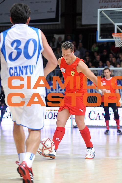 DESCRIZIONE : Cantu Lega A 2009-10 Un Campo per l'Aquila NGC Medical Cantu Scuderia Ferrari<br /> GIOCATORE : Michael Schumacher<br /> SQUADRA :<br /> EVENTO : Campionato Lega A 2009-2010<br /> GARA : Un Campo per l'Aquila NGC Medical Cantu Scuderia Ferrari<br /> DATA : 16/11/2009<br /> CATEGORIA :<br /> SPORT : Pallacanestro<br /> AUTORE : Agenzia Ciamillo-Castoria/G.Cottini<br /> Galleria : Lega Basket A 2009-2010<br /> Fotonotizia : Cantu Campionato Italiano Lega A 2009-2010 Un Campo per l'Aquila NGC Medical Cantu Scuderia Ferrari<br /> Predefinita :