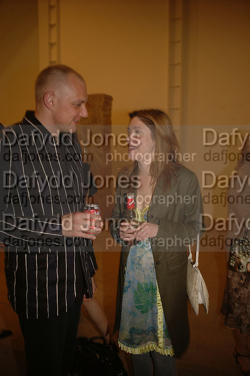 ANDREW DAVENPORT AND LOUISE WILSON, Jane and Louise Wilson,-'The New Brutalists' Lisson Gallery. Bell st.  opening AFTER-PARTY. 16 May 2006 ONE TIME USE ONLY - DO NOT ARCHIVE  © Copyright Photograph by Dafydd Jones 66 Stockwell Park Rd. London SW9 0DA Tel 020 7733 0108 www.dafjones.com