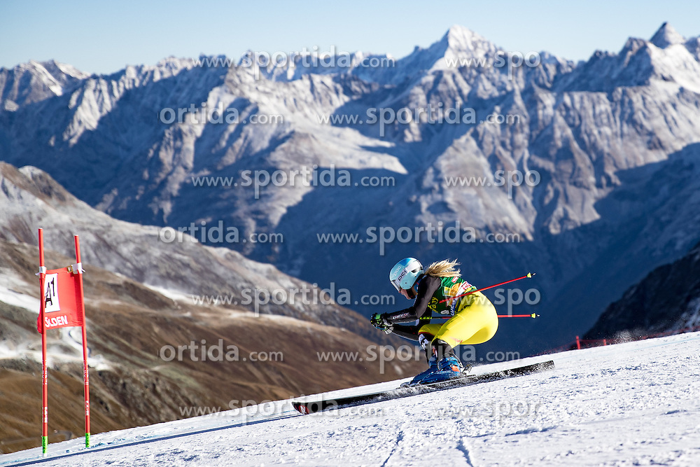 22.10.2016, Rettenbachferner, Soelden, AUT, FIS Weltcup Ski Alpin, Soelden, Riesenslalom, Damen, 1. Durchgang, im Bild Marie-Michele Gagnon (CAN) // Marie-Michele Gagnon of Canada in action during 1st run of ladies Giant Slalom of the FIS Ski Alpine Worldcup opening at the Rettenbachferner in Soelden, Austria on 2016/10/22. EXPA Pictures © 2016, PhotoCredit: EXPA/ Johann Groder