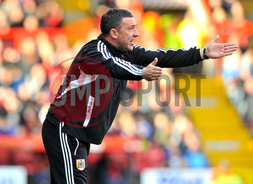 Bristol City Manager, Derek McInnes - Photo mandatory by-line: Joe Meredith/JMP  - Tel: Mobile:07966 386802 17/11/2012 - Bristol City v Blackpool - SPORT - FOOTBALL - Championship -  Bristol  - Ashton Gate Stadium -