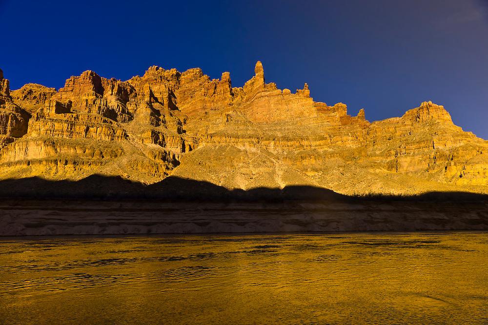Upper Gypsum Canyon on the Colorado River (near Cataract Canyon), Glen Canyon National Recreation Area, Utah USA