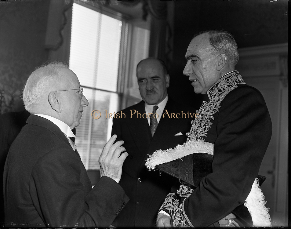 Presentation of Credentials to the President by the new Swiss Minister. 21/01/1959