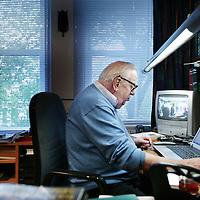 Nederland,Amsterdam ,25 september 2008..Jan Andries Blokker (Amsterdam, 27 mei 1927) is een Nederlandse journalist, columnist, schrijver, publicist en amateur-historicus..Dutch journalist, columnist, author, writer and amateur historian Jan Blokker (1927).