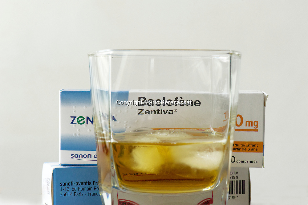Medecine. Le Baclofene, un medicament pour lutter contre l'alcoolisme.//France. Baclofen, a drug to fight against alcoholism