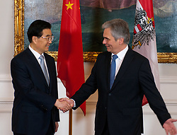 31.10.2011, Bundeskanzleramt, Wien, AUT, Bundesregierung, Begrueßung des Praesidenten der Volksrepublik China  Hu Jintao durch Bundeskanzler Werner Faymann im Bundeskanzleramt, im Bild Bundeskanzler Werner Faymann mit Praesident der Volksrepublik China  Hu Jintao // during the welcoming of Hu Jintao president of people's Republic of China with Federel Chancellor Werner Faymann, office of the federal chencellor, Vienna, 2011-10-31, EXPA Pictures © 2011, PhotoCredit: EXPA/ M. Gruber