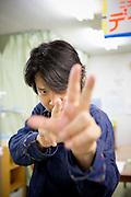 Hidehiko Nakamoto, arbetar hos New Start. New Start är en organisation i Japan som hjälper personer med en hikikomoriproblematik, dvs en social isolering.