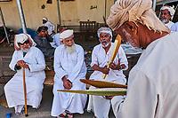 Sultanat d'Oman, gouvernorat de Ad-Dakhiliyah, Bahla, le souk, fleur de datte // Sultanate of Oman, Ad-Dakhiliyah Region, Bahla, date palm flowers for fertilization at souq
