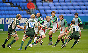 Reading, GREAT BRITAIN, Quins', David STRETTLE, attacking with the ball, during the Guinness Premiership game, London Irish vs Harlequins, 19.04.2008 [Mandatory Credit Peter Spurrier/Intersport Images]