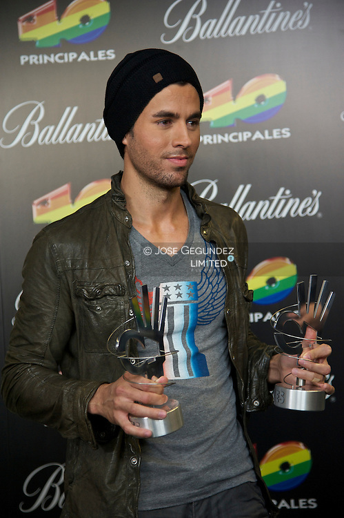 Enrique Iglesias attends '40 Principales Awards 2011' press room at the Palacio de Deportes on December 9, 2011 in Madrid, Spain