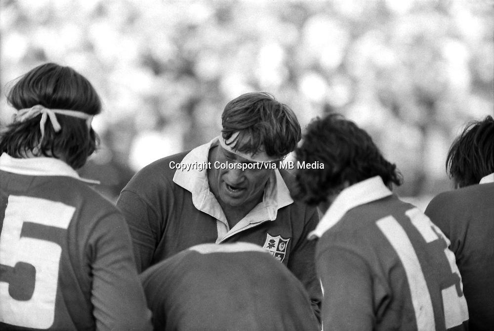 Willie John McBride (Lions Captain) gives a team talk .  .British Lions v South Africa, 4th Test, 27/07/1974, Ellis Park, Johannesburg .1974 Lions Tour of South Africa . Credit : Colorsport