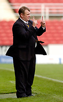 Photo: Leigh Quinnell.<br /> Swindon Town v Boston United. Coca Cola League 2. 30/09/2006. Boston boss Steve Evans predicts the final score.