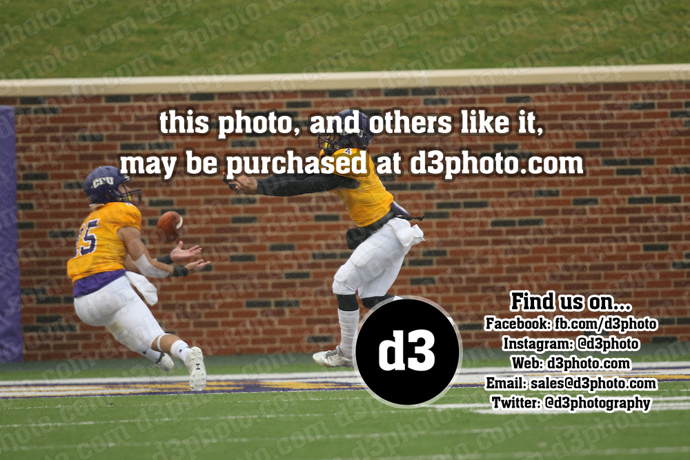 2015 NCAA Division III Football Playoff's Round 2,University of Mary Hardin Baylor,Photo Taken by: Joe Fusco, D3photography.com. (15) Robbie Seybold, UMHB makes 26 yard TD reception for UMHB