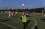 Football in south korea///Football en coree du sud///entraînement. jeune sélection de footballeurs de 12 ans. coach hollandais Abraham BRAAM stade de Missari  seoul  coree  entraînement. jeune sélection de footballeurs de 12 ans. coach hollandais Abraham BRAAM stade de Missari  seoul  coree  ///R20136/    L0006895  /  P105219
