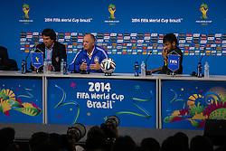 Treino da Seleção Brasileira, em São Paulo, SP. A seleção enfrenta a Croácia amanhã na abertura da Copa do Mundo 2014. FOTO: Jefferson Bernardes