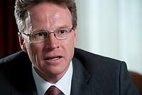 19 APR 2010, BERLIN/GERMANY:<br /> Andreas Meyer, Vorsitzender der Geschaeftsleitung der Schweizerischen Bundesbahnen, SSB, wahrend einem Interview, Hotel Ritz Charlton<br /> IMAGE: 20100419-01-018