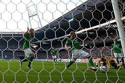 25.09.2011, Weser Stadion, Bremen, GER, 1.FBL, Werder Bremen vs Hertha BSC, im Bild.Aaron Hunt (Bremen #14) rettet auf der Linie.// during the Match GER, 1.FBL, Werder Bremen vs Hertha BSC on 2011/09/25,  Weser Stadion, Bremen, Germany..EXPA Pictures © 2011, PhotoCredit: EXPA/ nph/  Gumz       ****** out of GER / CRO  / BEL ******