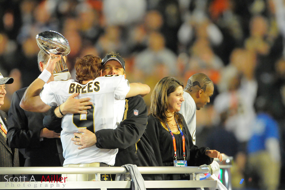 Miami, FL, USA; New Orleans Saints head coach Sean Payton and quarterback Drew Brees celebrate with the VInce Lombardi Trophy after his team beat the Indianapolis Colts 31-17 in Super Bowl XLIV at Sun Life Stadium on Feb 7, 2010...©2010 Scott A. Miller