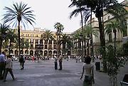 Spanje, Barcelona, 5-6-2005..Plaza Reial. toerisme, economie, vakantie, stedentrip, stadsgezicht...Foto: Flip Franssen