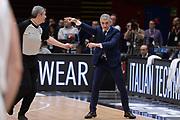DESCRIZIONE : Milano BEKO Final Eigth  2016<br /> Vanoli Cremona - Dinamo Banco di Sardegna Sassari<br /> GIOCATORE : Marco Calvani Luigi Lamonica<br /> CATEGORIA :  Allenatore Coach Mani Arbitro Referee<br /> SQUADRA : Dinamo Banco di Sardegna Sassari <br /> EVENTO : BEKO Final Eight 2016<br /> GARA : Vanoli Cremona - Dinamo Banco di Sardegna Sassari<br /> DATA : 19/02/2016<br /> SPORT : Pallacanestro<br /> AUTORE : Agenzia Ciamillo-Castoria/M.Longo<br /> Galleria : Lega Basket A 2016<br /> Fotonotizia : Milano Final Eight  2015-16 Vanoli Cremona - Dinamo Banco di Sardegna Sassari<br /> Predefinita :