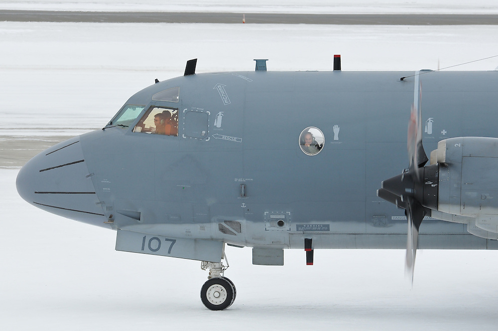 CP-140 Aurora taxiing at Whitehorse International Airport