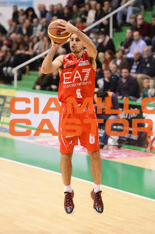 DESCRIZIONE : Siena Lega A 2012-13 Montepaschi Siena EA7 Emporio Armani Milano<br /> GIOCATORE : Rok Stipcevic<br /> CATEGORIA : three points<br /> SQUADRA : EA7 Emporio Armani Milano<br /> EVENTO : Campionato Lega A 2012-2013 <br /> GARA : Montepaschi Siena EA7 Emporio Armani Milano<br /> DATA : 05/11/2012<br /> SPORT : Pallacanestro <br /> AUTORE : Agenzia Ciamillo-Castoria/GiulioCiamillo<br /> Galleria : Lega Basket A 2012-2013  <br /> Fotonotizia :  Siena Lega A 2012-13 Montepaschi Siena EA7 Emporio Armani Milano<br /> Predefinita :