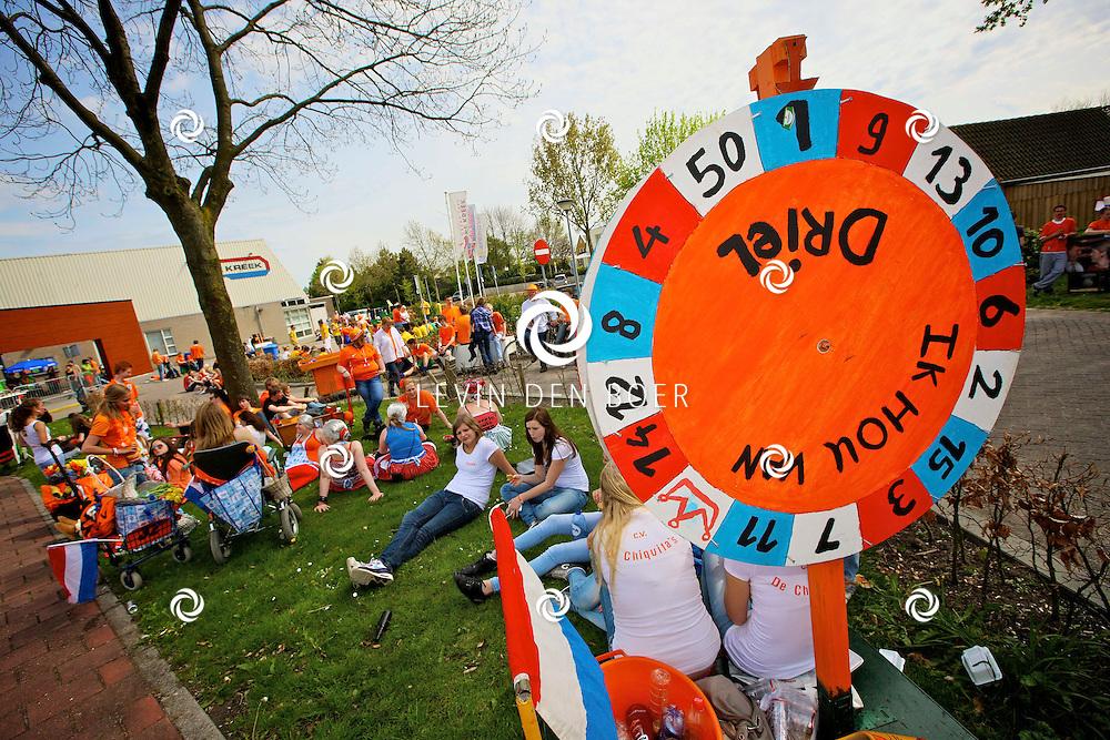 KERKDRIEL - Koninginnedag 2012 in Kerkdriel met diversen activiteiten. FOTO LEVIN DEN BOER - PERSFOTO.NU