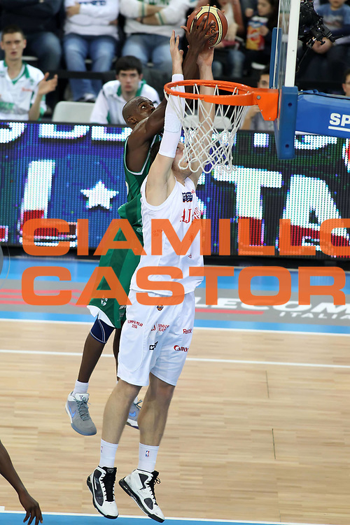 DESCRIZIONE : Torino Coppa Italia Final Eight 2011 Quarti di Finale Armani Jeans Milano Air Avellino<br /> GIOCATORE : Linton Johnson<br /> SQUADRA : Air Avellino<br /> EVENTO : Agos Ducato Basket Coppa Italia Final Eight 2011<br /> GARA : Armani Jeans Milano Air Avellino<br /> DATA : 11/02/2011<br /> CATEGORIA : rimbalzo<br /> SPORT : Pallacanestro<br /> AUTORE : Agenzia Ciamillo-Castoria/ElioCastoria<br /> Galleria : Final Eight Coppa Italia 2011<br /> Fotonotizia : Torino Coppa Italia Final Eight 2011 Quarti di Finale Armani Jeans Milano Air Avellino<br /> Predefinita :